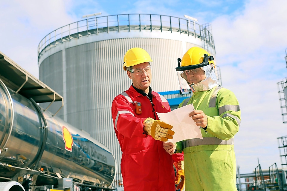 Shell operator and contractor